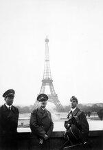 1200px-Adolf_Hitler_in_Paris_1940.jpg